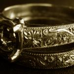 Hand engraving by Alex Pugachevskiy: set of wedding ring and engagement ring